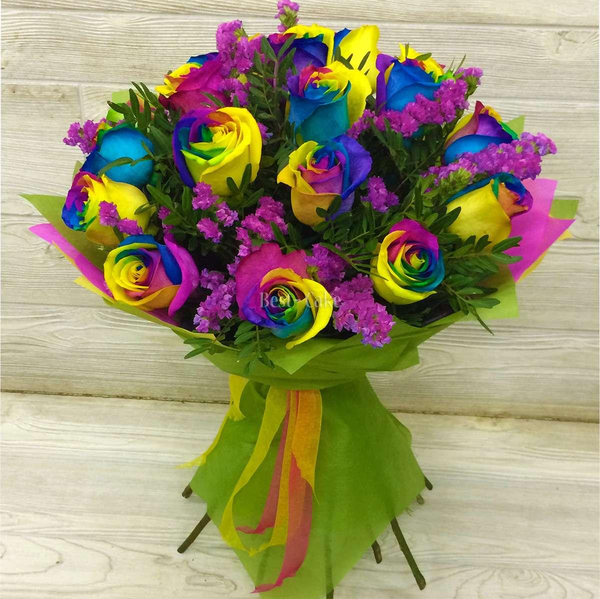 Букет из радужных цветов